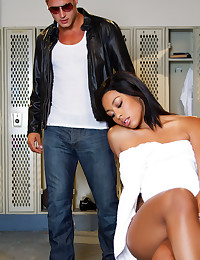 Leilani Leeane and Danny Mountain find themselves alone in a locker room with nothing to do but fuck.