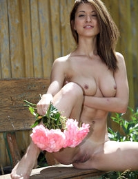 Glamour Jasmin looks so beautiful staying nude in a garden of flowers