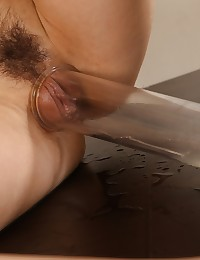 Gorgeous Taissia pours piss over her pretty head photo #9
