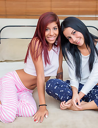 Young Girlfriends Experiment Together photo #1
