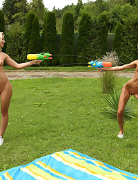 WET HER DOWN with Sara Kay, Vinna Reed - ALS Scan photo #6