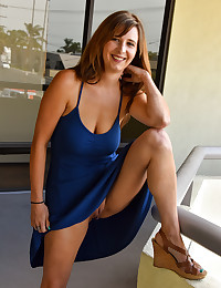 Busty Blue Babe photo #4