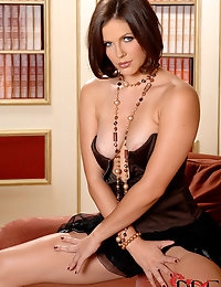 Bobbi Starr : | BABES | : Free picture gallery : 1By-Day - 2 exclusive picture and video sets each day, the most beautiful girls of eastern europe shooted by Denys Defrancesco, only exclusive pictures, downloadable HDV videos, streaming FLASH videos! | BA photo #4