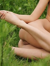 Fedorov-hd-Lily-young-essense-russian-petite-bodies-outdoor  photo #8