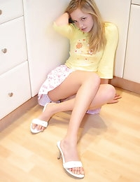 KRISTINA FEY::: FREE PICTURES photo #4