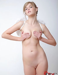 : | single | : Free picture gallery : Euro Teen Erotica - The sweetest and most beautiful girls on the net! | single |  photo #10