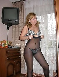 Wife Bucket - Real amateur wives and MILFs! Swingers too! photo #4