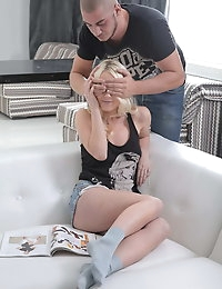 Great blonde babe gets her pussy fucked and creamed photo #2