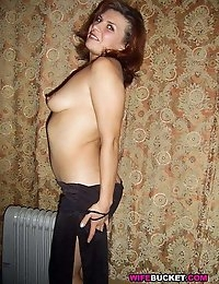 WifeBucket - real amateur MILFs and wives! Swingers too! photo #15
