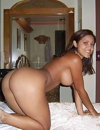 WifeBucket - real amateur MILFs and wives! Swingers too! photo #3