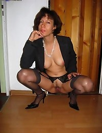 CumOnWives - real amateur blowjobs and cumshots! Only MILFs! photo #16