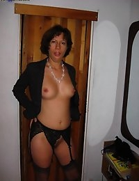 CumOnWives - real amateur blowjobs and cumshots! Only MILFs! photo #4