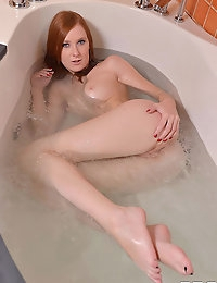 Linda Sweet squirting photo #12