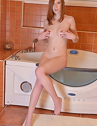 Linda Sweet squirting photo #6